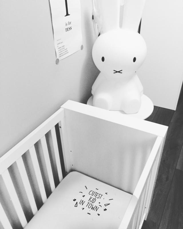 Baby Ledikant Zwart.Twee Ons Geluk Hoeslaken Voor Ledikant Zwart Wit Van Het Merk